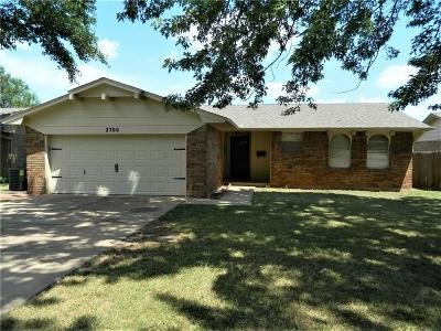 Moore Single Family Home For Sale: 2700 N Larkspur Street