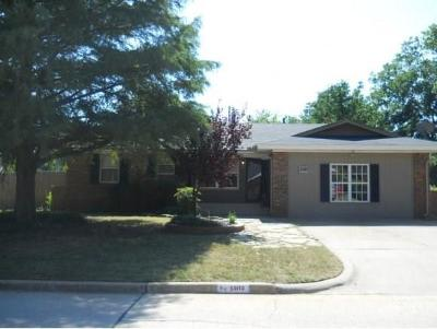 Norman Single Family Home For Sale: 1502 Oakwood Dr. Drive