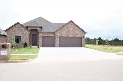 Moore Single Family Home For Sale: 1300 Atalon Drive