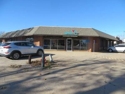 Commercial For Sale: 802 W Chickasha Avenue