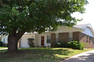 Shawnee Single Family Home For Sale: 2209 N McKinley Avenue