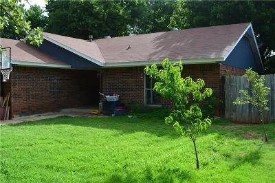 Midwest City Single Family Home For Sale: 524 Woodland