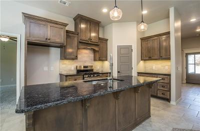 Edmond Single Family Home For Sale: 2701 Cypress Springs