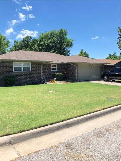 Oklahoma City Single Family Home For Sale: 8116 NW 7th Street