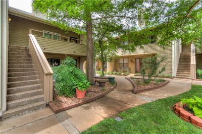 Oklahoma City Condo/Townhouse For Sale: 11120 N Stratford Drive #215