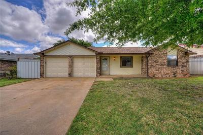 Oklahoma City Single Family Home For Sale: 8404 Rayburn Avenue