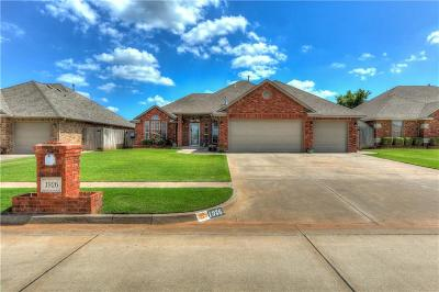 Mustang Single Family Home For Sale: 1926 W Black Powder Way