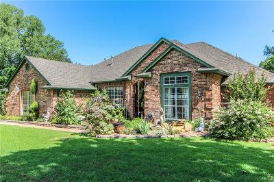 Norman Single Family Home For Sale: 7201 Nutmeg Drive