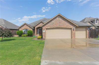 Moore Single Family Home For Sale: 3329 Windmill