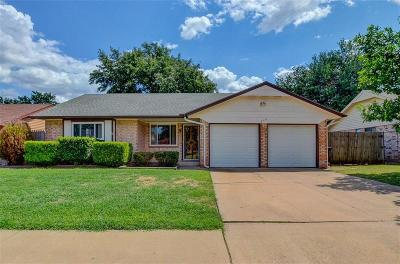 Moore Single Family Home For Sale: 900 SE 9th Street