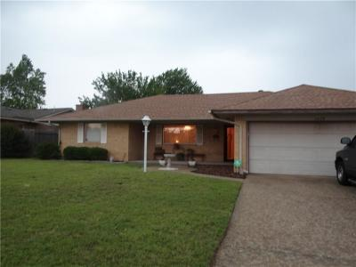 Midwest City Single Family Home For Sale: 3009 N Idylwild