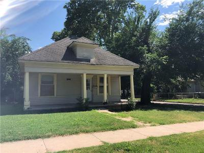 Single Family Home For Sale: 1324 NW 7th Street