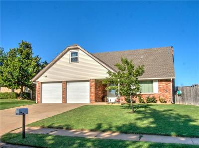 Moore Single Family Home For Sale: 512 S Bouziden Drive