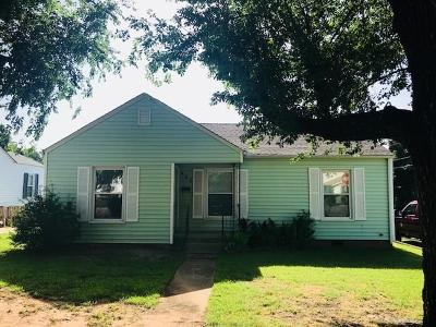 Yukon Single Family Home For Sale: 425 S 9th