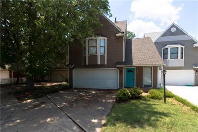 Canadian County, Oklahoma County Condo/Townhouse For Sale: 401 Abilene Drive