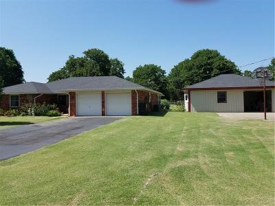 Harrah Single Family Home For Sale: 22415 Hadding