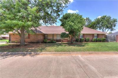 Oklahoma City Single Family Home For Sale: 9001 Lakeaire