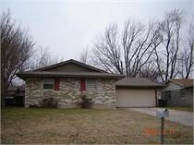 Single Family Home For Sale: 1525 McGregor