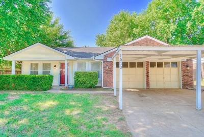 Moore Single Family Home For Sale: 1512 NE 5th