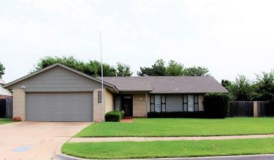 Moore Single Family Home For Sale: 1001 NE 4th