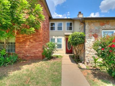 Oklahoma County Condo/Townhouse For Sale: 14110 Crossing Way