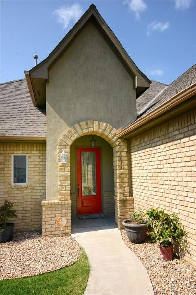 Midwest City Single Family Home For Sale: 11049 Canterbury