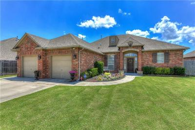 Midwest City Single Family Home For Sale: 10820 Taylor Paige Drive