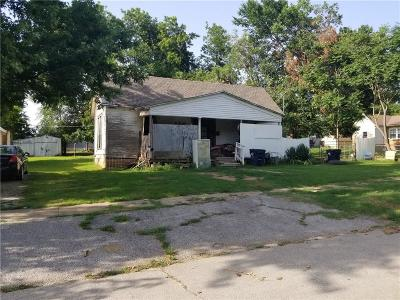 Purcell Multi Family Home For Sale: 113 W Brule