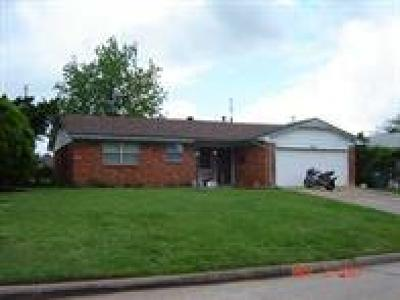 Del City Single Family Home For Sale: 3008 SE 22nd Circle