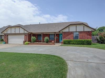 Oklahoma City Single Family Home For Sale: 709 SW 112th Street