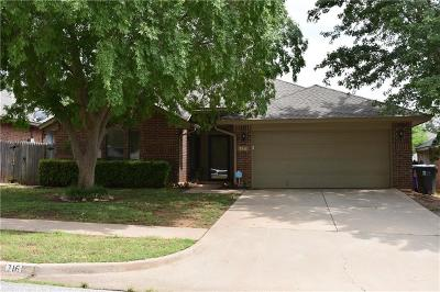 Norman Single Family Home For Sale: 716 Coopers Hawk