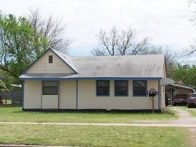Chickasha OK Single Family Home For Sale: $45,000