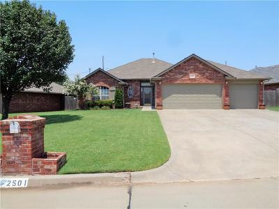 Moore Single Family Home For Sale: 2501 Highland Drive