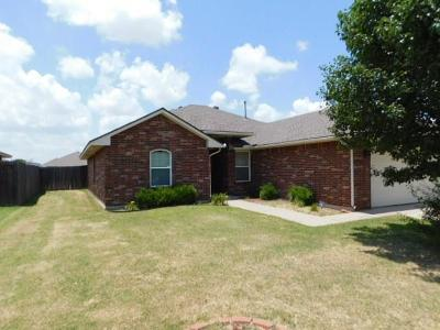 Oklahoma City Single Family Home For Sale: 8113 Azurewood Drive
