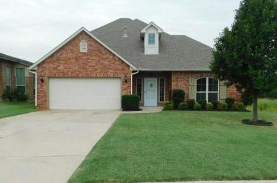 Oklahoma City Single Family Home For Sale: 12101 Crystal Gardens Place