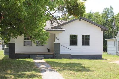 Tecumseh Single Family Home For Sale: 312 W Washington