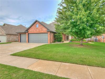 Moore Single Family Home For Sale: 2632 8th
