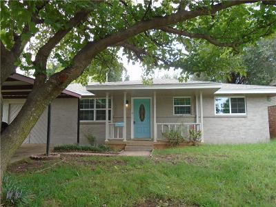 Moore Single Family Home For Sale: 737 SW 3rd