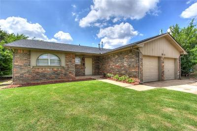 Moore Single Family Home For Sale: 1004 Larkspur Rd.