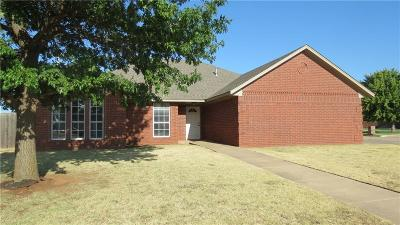 Altus Single Family Home For Sale: 2805 N Towne Drive