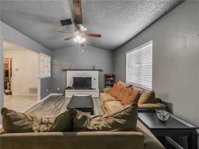 Moore Single Family Home For Sale: 2200 N Santa Fe Avenue