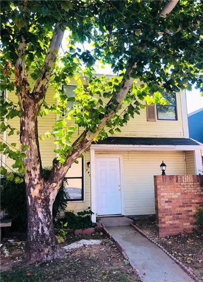 Warr Acres Condo/Townhouse For Sale: 5402 Peachtree Drive