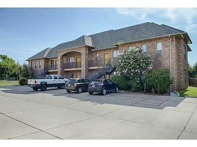 Norman Condo/Townhouse For Sale: 1812 Alameda #113