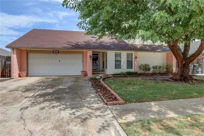 Moore Single Family Home For Sale: 1321 NW 8th Street