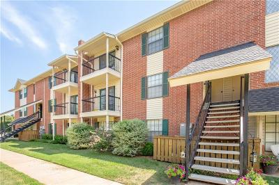 Oklahoma County Condo/Townhouse For Sale: 4400 Hemingway Dr #265