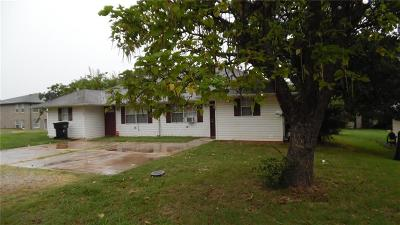 Lincoln County Multi Family Home For Sale: 605 N Dogwood Road