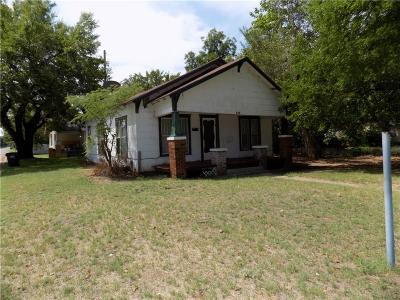 Anadarko Single Family Home For Sale: 802 W Kentucky