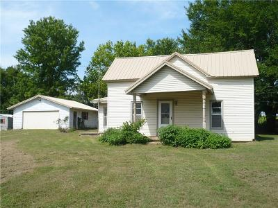 Tecumseh Single Family Home For Sale: 20152 Drummond Road