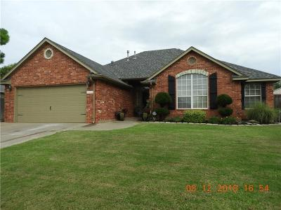 Moore Single Family Home For Sale: 2504 Highland Drive