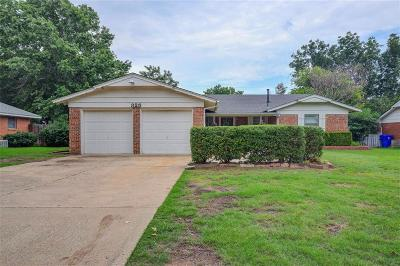 Norman Single Family Home For Sale: 325 Royal Oak Drive